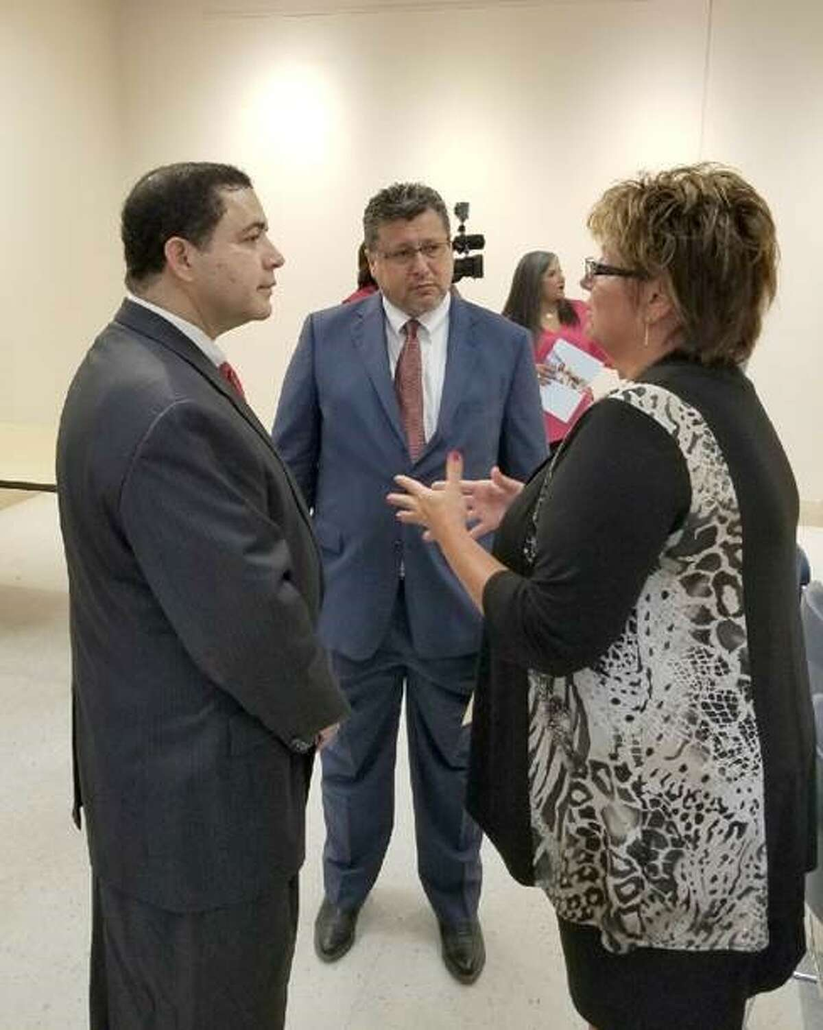 Congressman Cuellar (TX-28), left, discusses the importance counting everyone in our community for the 2020 Census with City Manager Horacio de Leon, center, and Vicki McIntire, Asst. Regional Director, U.S. Census Bureau-Denver Region, right, during the Laredo Road to 2020: How Your Community Can Prepare workshop on Tuesday at the Laredo Public Library.