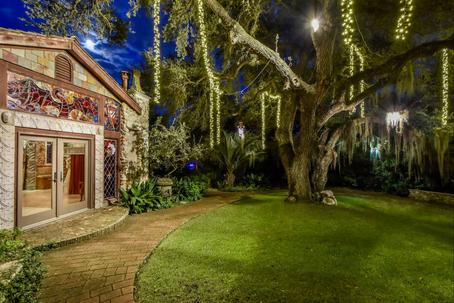 Austin's Camelot House is opening their doors for the first time to give tours of the mid evil-themed 5,000-square-foot home in order to raise money for Hurricane Harvey relief in Houston. Photo: Kuper Sotheby's International Realty