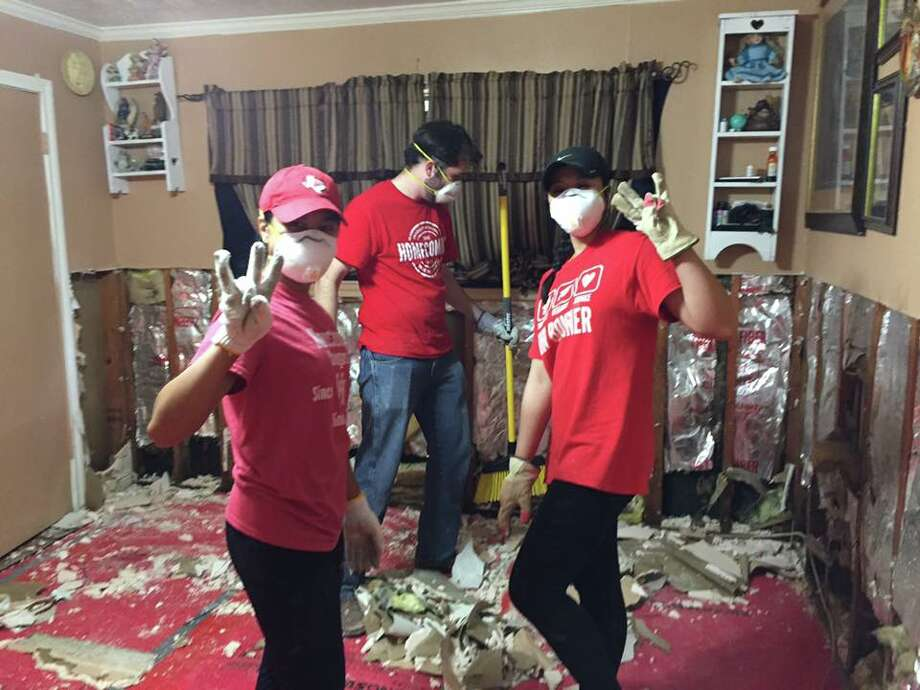 University of Houston students have been doing multiple relief efforts after Harvey's aftermath, including volunteering at shelters, collecting donations and gutting out people's homes. Photo: Andrew Hamilton, UH Associate Dean