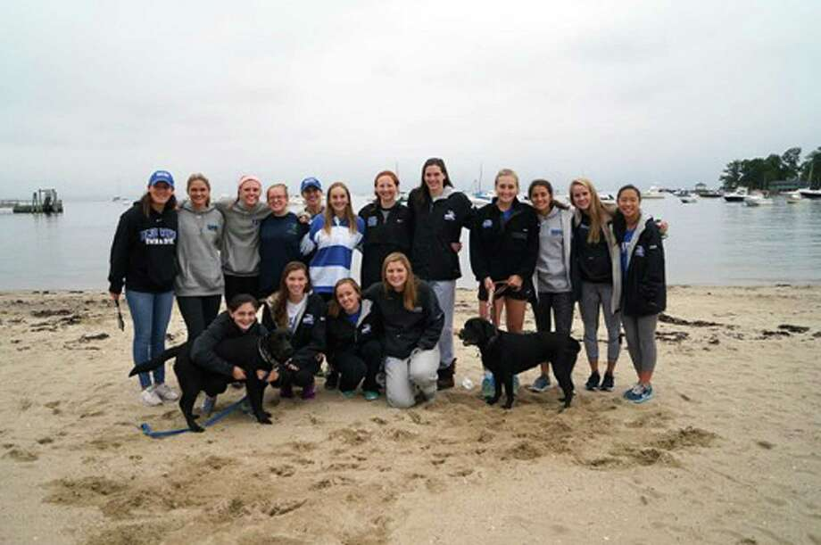 Darien High School Blue Wave Swim and Dive Team Support the JR Forever Memorial Run/Walk. Photo: Darien News / Contributed Photo / Darien News