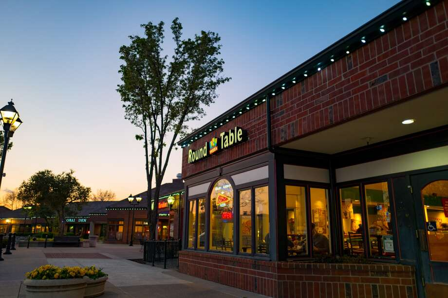 Bay Areas Round Table Pizza Chain Acquired By Franchise Group SFGate - Round table delivery fee
