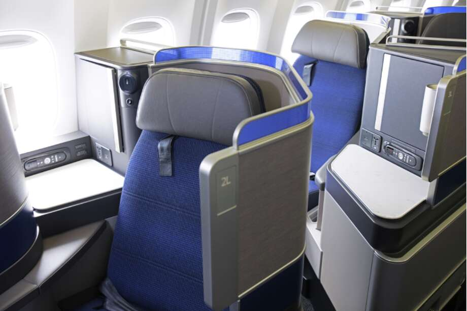 Odd-numbered window seats are more private on in United's B767 Polaris business class Photo: United Airlines