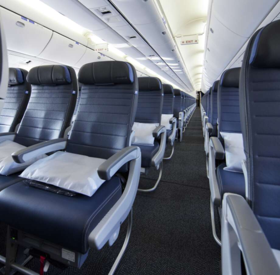 Economy class seats on United's retrofitted 767s are 18.5 inches wide, configured 2-3-2( Photo: United Airlines