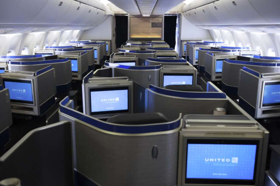 United's Polaris business class seat on a Boeing 767-300 Photo: United Airlines