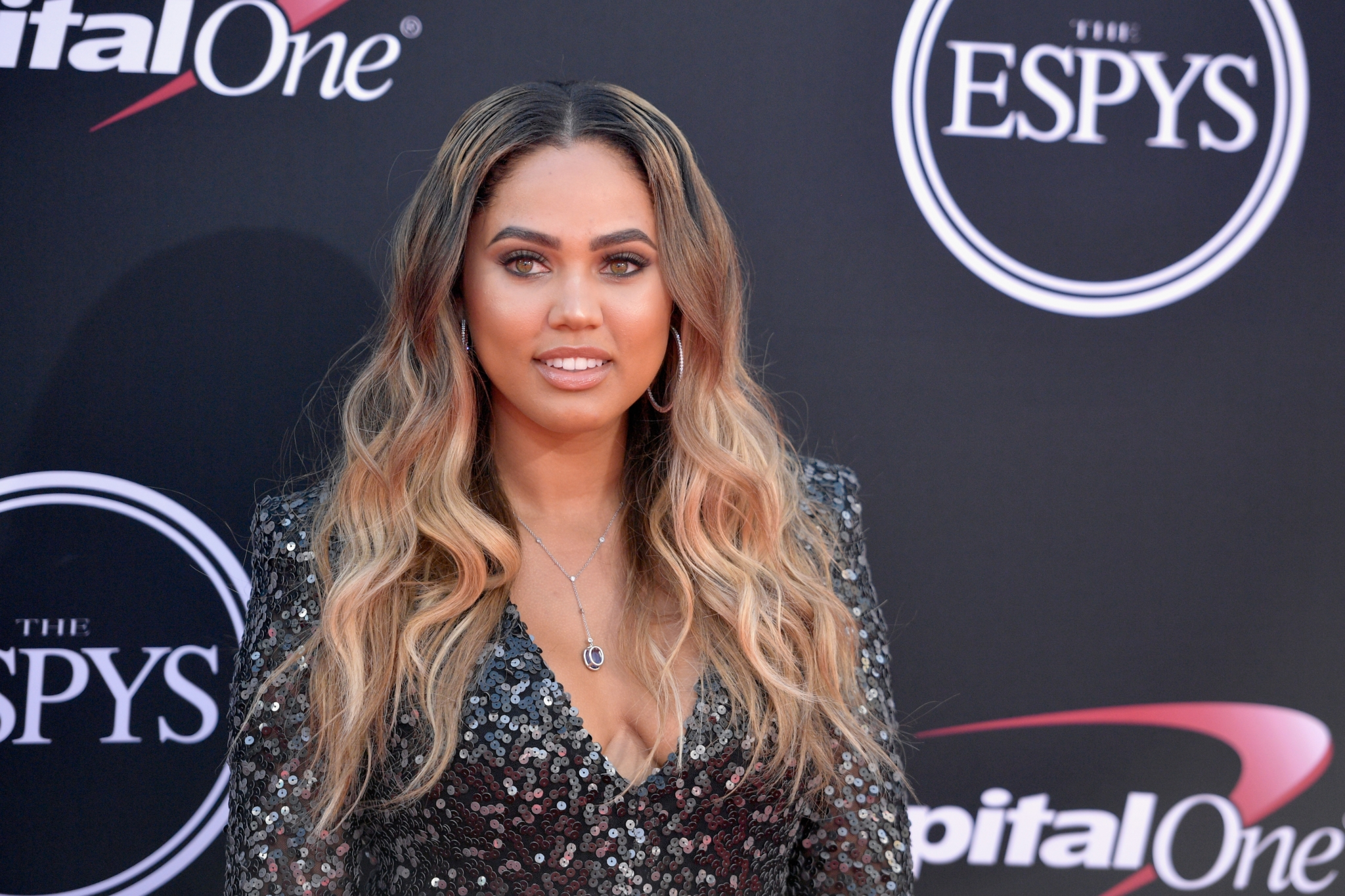 Ayesha Curry tapped as newest CoverGirl model - SFGate
