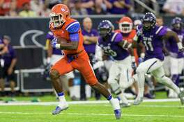 Sam Houston State wideout Nathan Stewart (81) catches a pass for a touchdown in the Battle of the Piney Woods, NCAA Football Championship Subdivision football game at NRG Stadium on Saturday, October 1, 2016, in Houston. (Joe Buvid / For the Houston Chronicle)