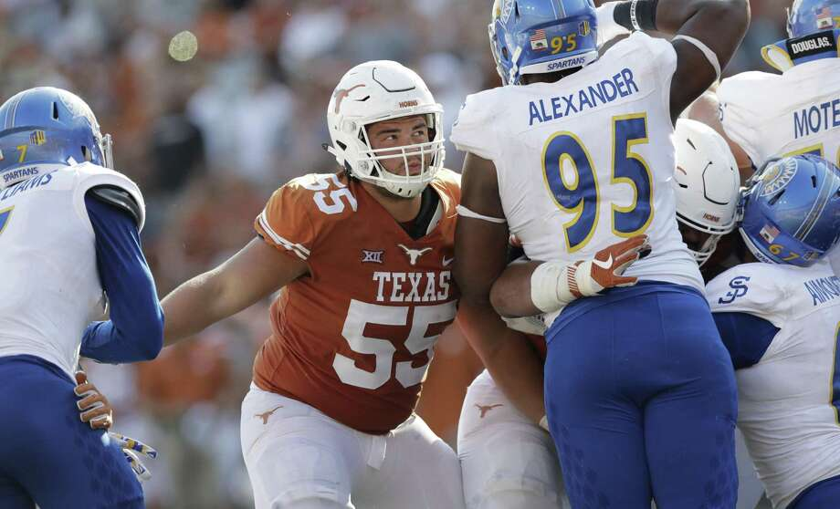 Texas offensive lineman Connor Williams blocks during the second half against San Jose State on Sept. 9, 2017, in Austin. Photo: Eric Gay /Associated Press / Copyright 2017 The Associated Press. All rights reserved.