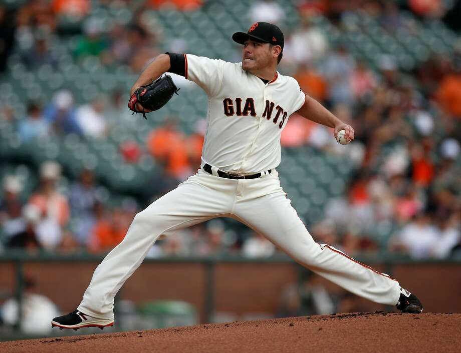 Giants starter pitcher Matt Moore throws against the Colorado Rockies in the first inning at AT&T Park in San Francisco on Wednesday, Sept. 20, 2017. (Nhat V. Meyer/Bay Area News Group/TNS) Photo: Nhat V. Meyer, TNS