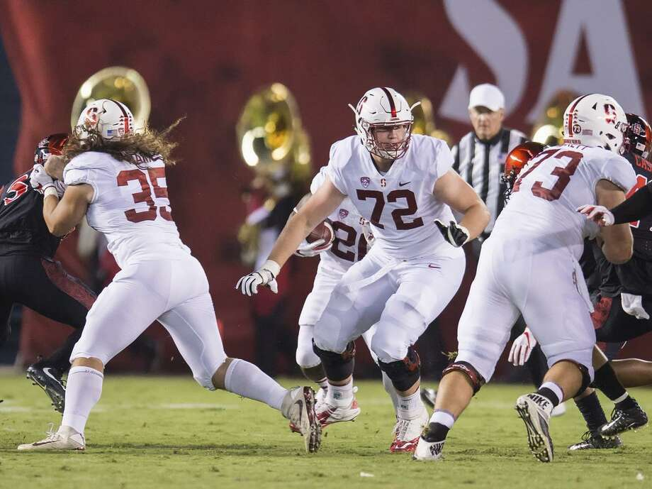 San Diego, Ca. - September 16, 2017: Walker Little #72 of the Stanford Cardinal looks to set a block against the San Diego State Aztecs defense in San Diego Stadium. The final score Stanford 17, San Diego State 20. Photo: David Bernal / David Bernal/isiphotos.com / David Bernal/isiphotos.com