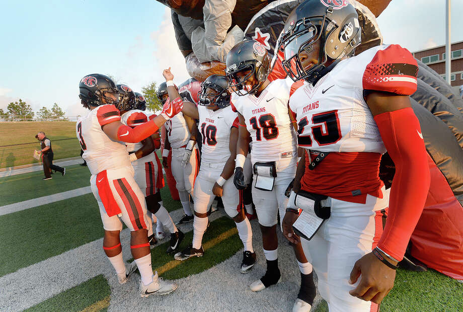 Port Arthur Memorial's variety get pumped up as they get ready to take the field against Central during their season openers at The Thomas Center Wednesday. Like many area schools, football season was delayed and mid-week games are being scheduled to help catch up on district play. Photo taken Wednesday, September 20, 2017 Kim Brent/The Enterprise Photo: Kim Brent / BEN