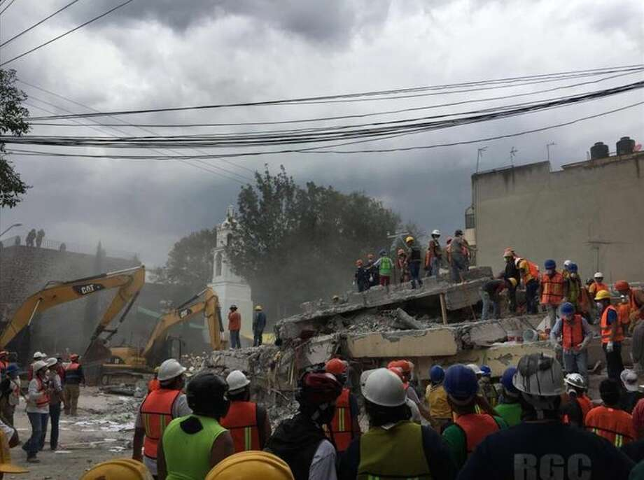 Six people have been rescued from underneath this building located in Colonia Postal, two blocks away from Laredoan Gabriela Treviño's house. Photo: Courtesy