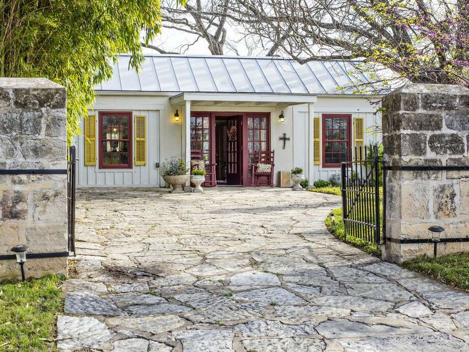 This Fredericksburg spot offers a charming, historic place to stay.Average price per night: $194Sleeps: 2 Photo: HomeAway