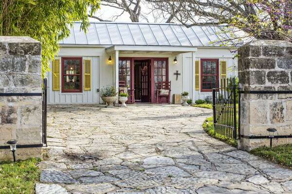 This Fredericksburg spot offers a charming, historic place to stay. Average price per night: $194 Sleeps: 2