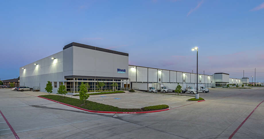 Apex Distribution Center is near Tanner Road and West Sam Houston Parkway. Photo: HFF / Richard Burger