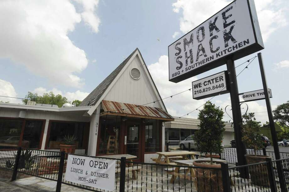Chris and Kate Conger's popular barbecue trailer evolved into The Smoke Shack in 2014 at 3714 Broadway. Photo: Billy Calzada /San Antonio Express-News / San Antonio Express-News