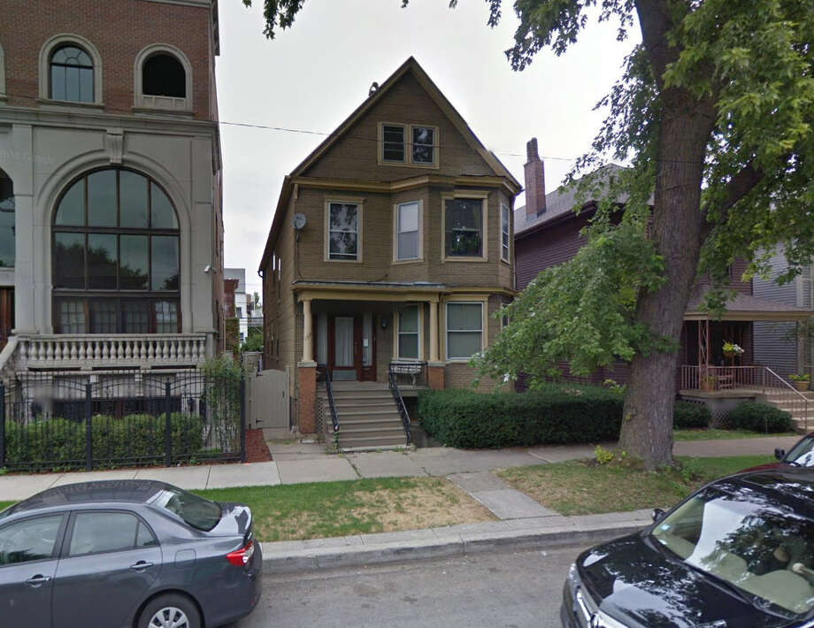 """The residence, seen here in August 2016, is located in the Lincoln Park area of the Windy City and while """"Family Matters"""" ran from 1989 until 1998 the home achieved some notoriety for being the """"home"""" of the Winslow family. Photo: Google Maps"""