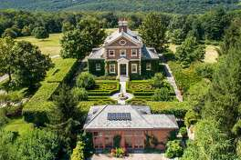 The Georgian colonial at 270 Nettleton Hollow Road in Washington, was designed by Fairfax & Sammons. Richard Sammons founded the Institute of Classical Architecture and Art, which is considered the leading nonprofit educational organization devoted to classical architecture. He also won the Arthur Ross Award for lifetime achievement.