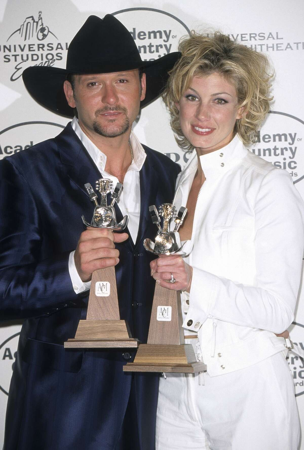 Tim McGraw and Faith Hill are undoubtedly a country music power couple. But are they a duo? In Billboard's review of a recent Soul 2 Soul date, Denise Warner makes the case that they are stronger together than apart. She wrote: