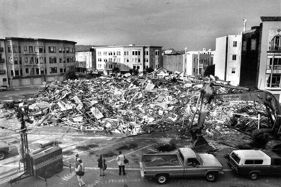 Severely damaged houses in the Marina district being torn down after the Loma Prieta earthquake October 20, 1889  Photo ran 10/20/1989 P. C1