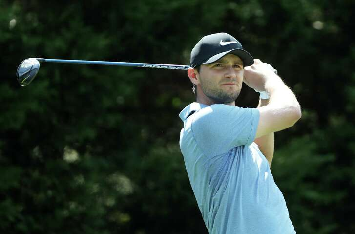 ATLANTA, GA - SEPTEMBER 21:  Kyle Stanley of the United States plays his shot from the eighth tee during the first round of the TOUR Championship at East Lake Golf Club on September 21, 2017 in Atlanta, Georgia.  (Photo by Sam Greenwood/Getty Images)
