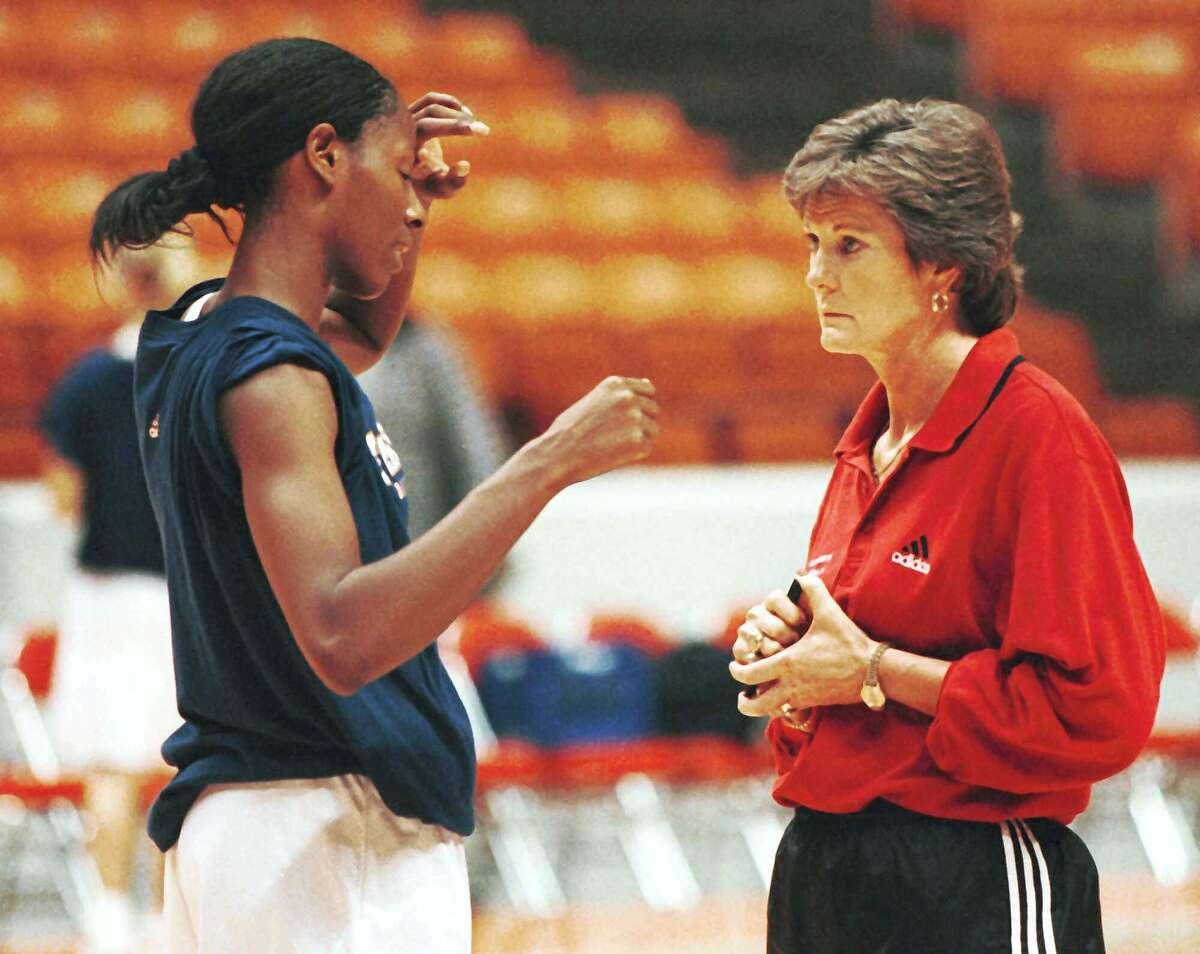 ADVANCE FOR THE WEEKEND NOV. 7-8--Tennessee Women's head basketball coach Pat Summit listens to Chamique Holdsclaw as she talks to her about practice Monday, Nov. 2, 1998 in Knoxville, Tenn. (AP Photo/Wade Payne)