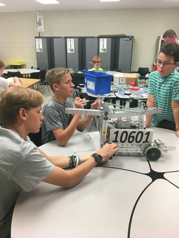 Students participate in science, technology, engineering and math lessons in anew MakerSpace at Calvary Baptist Academy. (Photo provided)