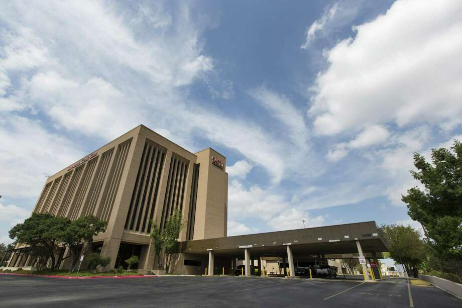 The Credit Human credit union headquarters building at 6061 I-10 West recently. The City  Council is considering an incentives package after a suggestion the credit union may move its headquarters out of town instead of at the Pearl. Photo: William Luther /San Antonio Express-News / © 2017 San Antonio Express-News