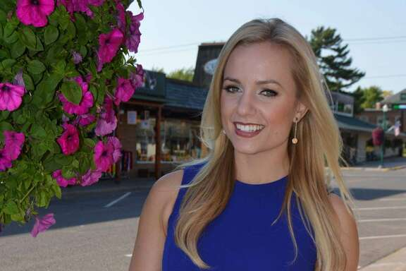 Ivory Hecker  joined KRIV-TV as a general assignments reporter on Oct. 2, 2017.Previously, Hecker was a reporter and anchor at Minneapolis' KARE-TV.