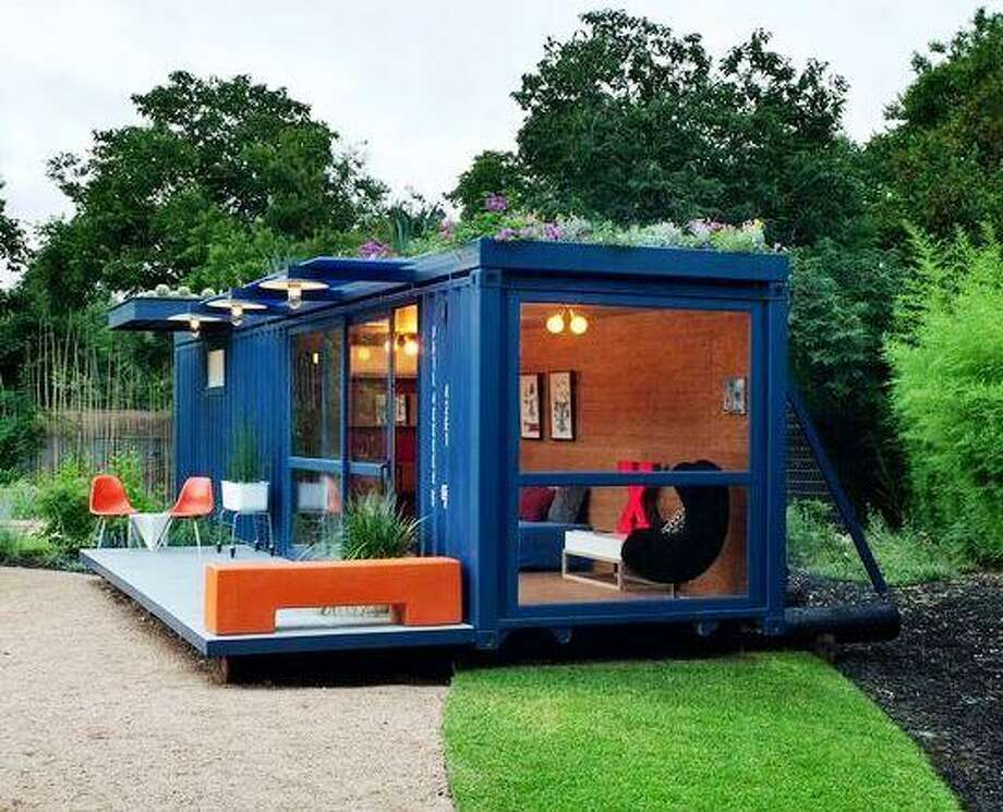 2010 Homes Tour: A Southtown guesthouse in a shipping container designed by Jim Poteet, AIA, Poteet Architects. Photo: Courtesy AIA