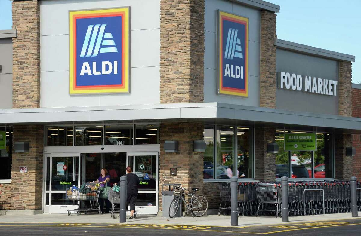 New Aldi store on Route 9 Friday Sept. 22, 2017 in Clifton Park, NY. (John Carl D'Annibale / Times Union)