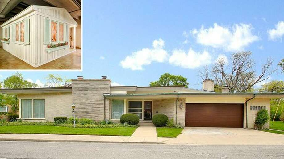 On the house chicago mid century modern comes with life for Cost to build mid century modern home