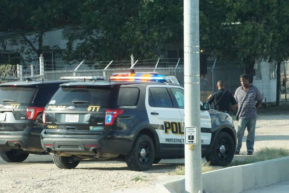 A man in his 30s was stabbed at the Arriba Apartments in the 5200 block of Blanco Road. Photo: Jacob Beltran