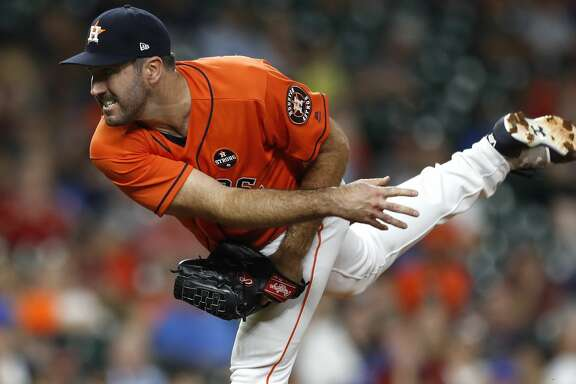Houston Astros starting pitcher Justin Verlander (35) pitches during the fourth inning of an MLB baseball game at Minute Maid Park, Friday, Sept. 22, 2017, in Houston.  ( Karen Warren / Houston Chronicle )