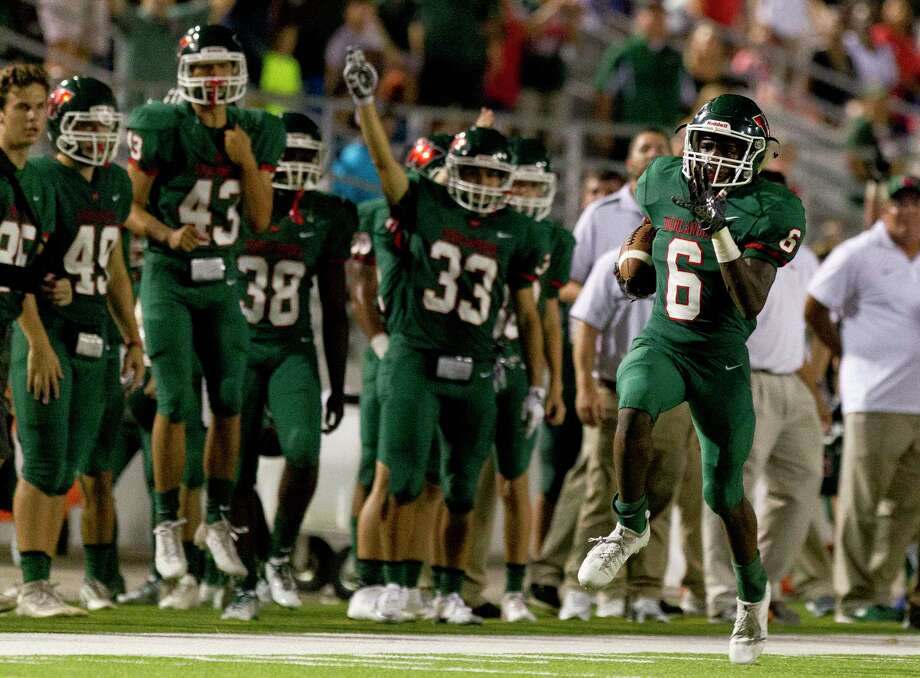 The Woodlands wide receiver Kesean Carter (6) returns a kickoff for a 75-yard touchdown during the third quarter of a non-district high school football game at Woodforest Bank Stadium, Friday, Sept. 22, 2017, in Shenandoah. Photo: Jason Fochtman, Staff Photographer / © 2017 Houston Chronicle