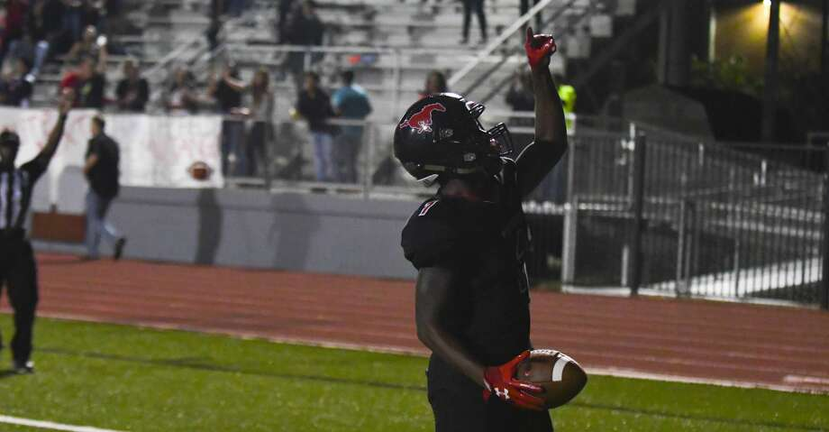 Westfield's Rayshawn James caught a 58-yard touchdown pass in the first quarter against Spring on Friday, Sept. 29, 2017. Photo: Tony Gaines/ HCN