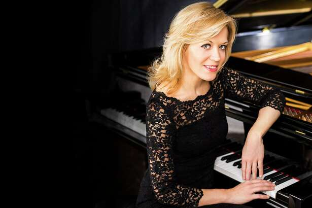 Pianist Olga Kern performed Friday night with the San Antonio Symphony for the first classical series concert of the 2017-18 season.