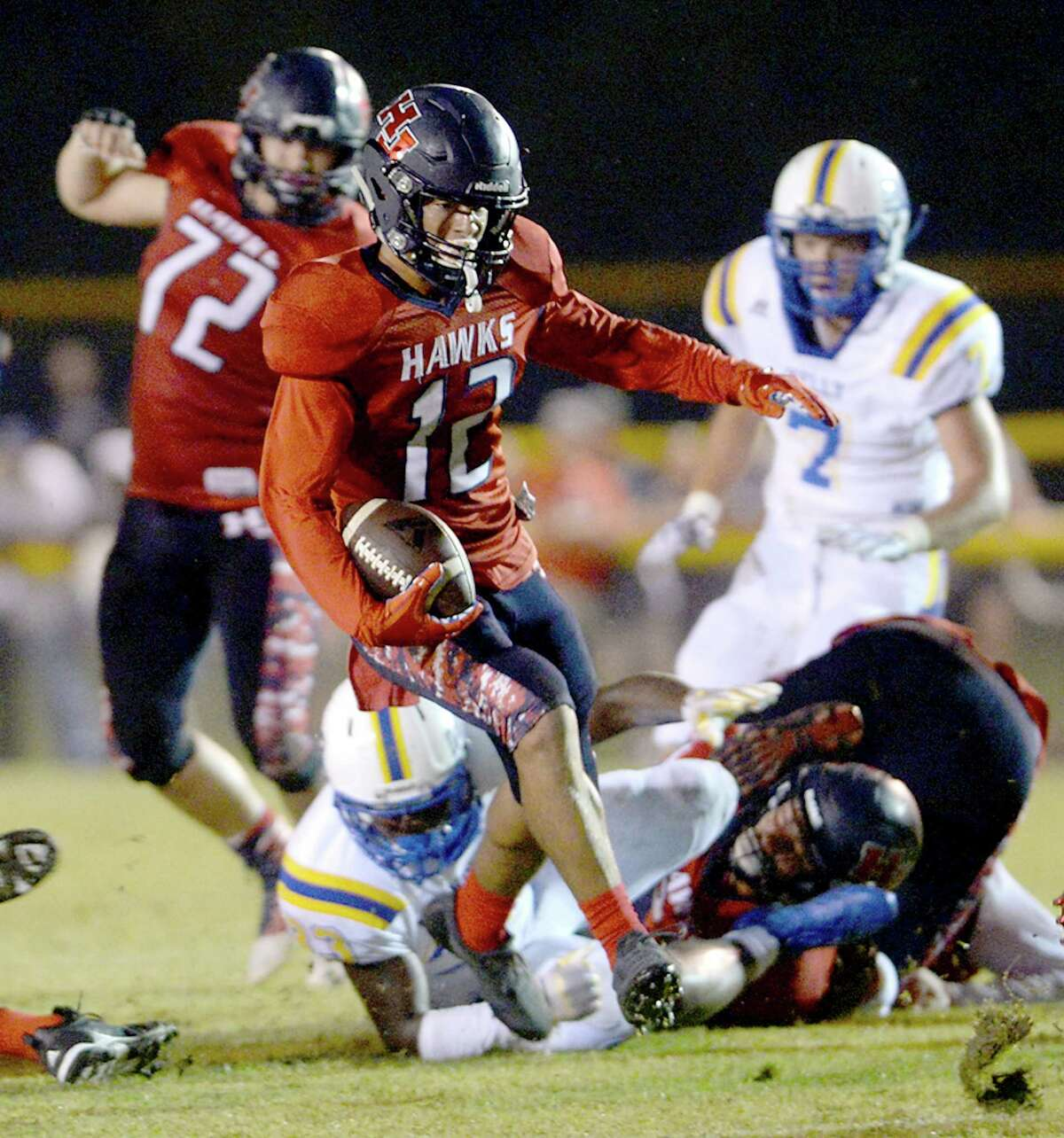 Mason Murray School: Hardin-Jefferson Position: WR/RB Notes: Murray had almost 100 total yards and a pair of touchdowns against two-time defending state champions West Orange-Stark last week. At 0-1, the Hawks need a win against Orangefield to put themselves in a better spot to make the playoffs and Murray will play a big role in that success.