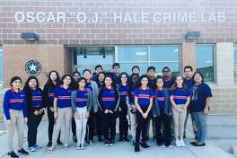 Los estudiantes de la Escuela de Excelencia Harmony visitaron el Laboratorio de Criminalística del Departamento de Seguridad Pública el miércoles 20 de septiembre de 2017.