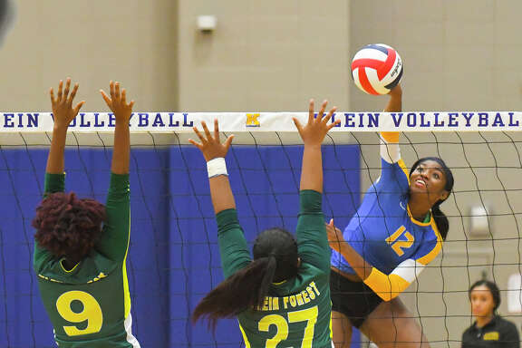 Klein Volleyball defeated Klein Forest in straight sets, the 10th straight set the Bearkats have won since returning to play post-Harvey. The hurricane forced the team to rest and recuperate, whether the players wanted to or not, and the benefits are already apparent, says head coach Kate Key. Klein is firmly in the hunt for the district title, and may still be improving.