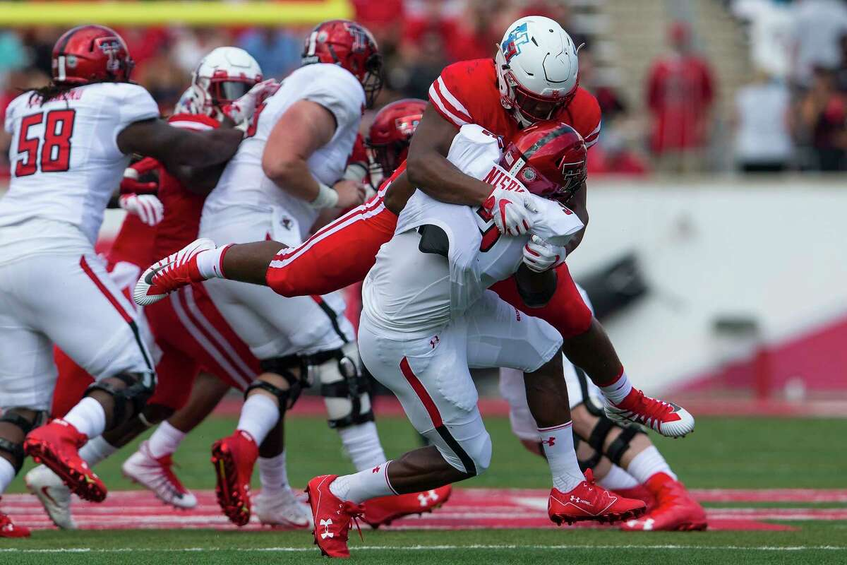 Ed Oliver (DT), University of Houston (Sept. 1)  Oliver's exhaustive collection of accolades are only made more impressive by his classification. Luckily for Owls fans, the junior has already declared his 2019 NFL Draft intentions, but until then Rice will have to hold its own against the 6-3, 290-pound game changer once more.  Relatively speaking, the Owls held Oliver in check during last year's 38-3 drubbing at TDECU Stadium (6 tackles with one for a loss plus a forced fumble), but the Houston-native did make a lasting mark when he knocked quarterback Sam Glaesmann out of the game (the quarterback hasn't been fully healthy since).  Oliver finished last season as the Outland Trophy winner and a Nagurski finalist after recording 73 tackles (second nationally among defensive tackles), 16.5 tackles for loss, and 5.5 sacks.