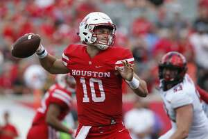 Houston Cougars quarterback Kyle Allen (10) throws a pass in the third quarter during the NCAA football game between the Texas Tech Red Raiders and the Houston Cougars at TDECU Stadium in Houston, TX on Saturday, September 23, 2017.