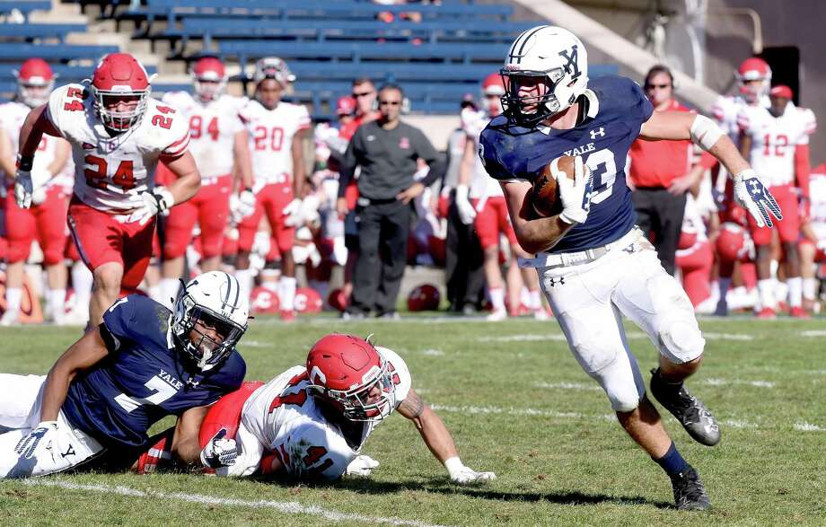 Zane Dudek of Yale runs in the third quarter against Cornell at the Yale Bowl in New Haven on September 23, 2017. Arnold Gold / Hearst Connecticut Media Photo: Arnold Gold / Hearst Connecticut Media / New Haven Register
