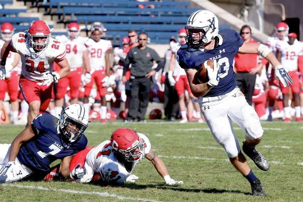 Zane Dudek of Yale runs in the third quarter against Cornell at the Yale Bowl in New Haven on September 23, 2017. Arnold Gold / Hearst Connecticut Media
