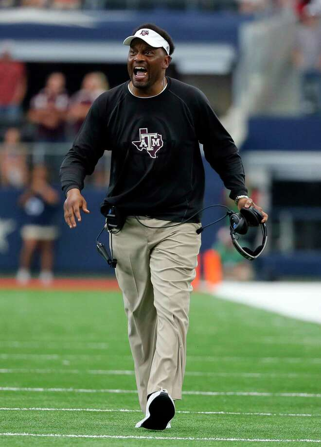 In a nail-biter against Arkansas, Kevin Sumlin works to keep his Aggies focused and calm. Photo: Tony Gutierrez, STF / Copyright 2017 The Associated Press. All rights reserved.