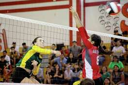 Nixon topped Martin in straight sets.