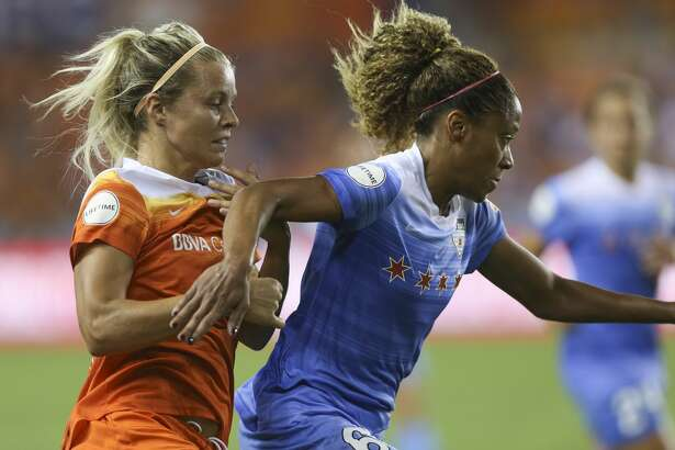 Houston Dash forward Rachel Daly (3) battles with Chicago Red Stars defender Casey Short (6) during the second half of the game at BBVA Compass Stadium Saturday, Sept. 23, 2017, in Houston. ( Yi-Chin Lee / Houston Chronicle )