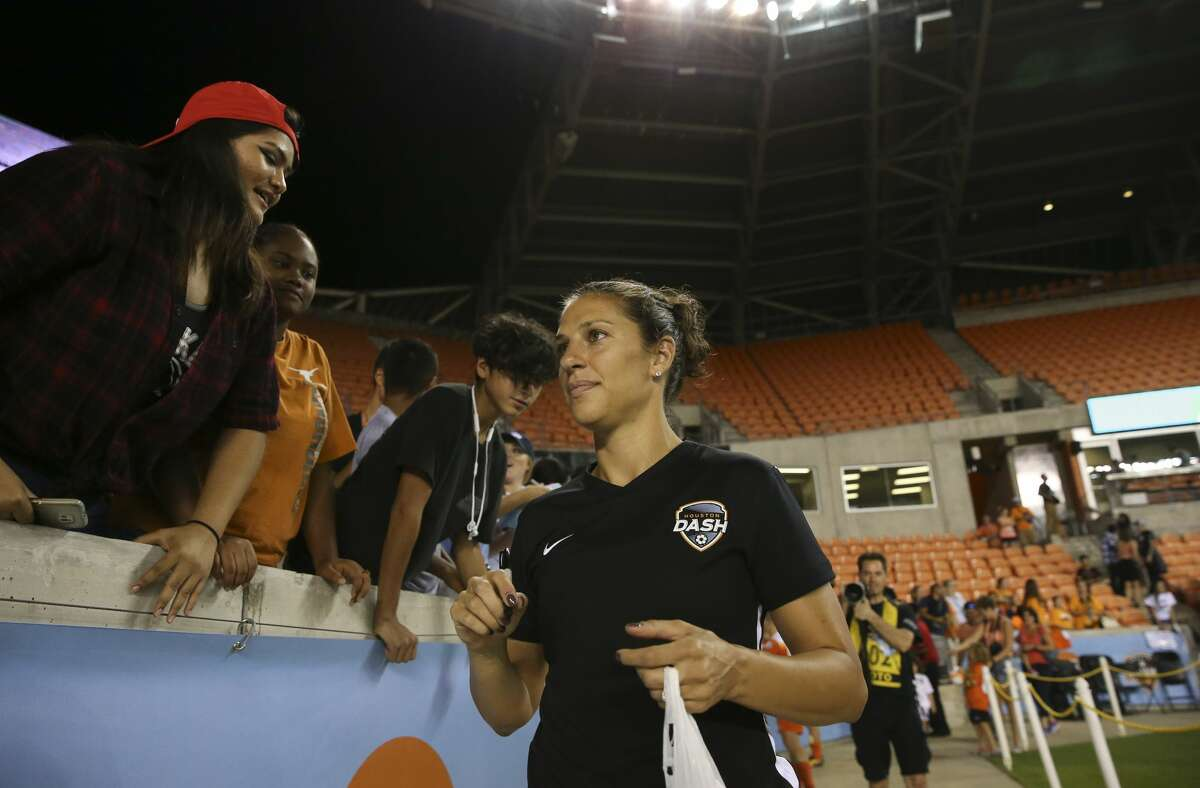 Houston Dash midfielder Carli Lloyd (10) interacts with fans after the last home game at BBVA Compass Stadium Saturday, Sept. 23, 2017, in Houston. ( Yi-Chin Lee / Houston Chronicle )