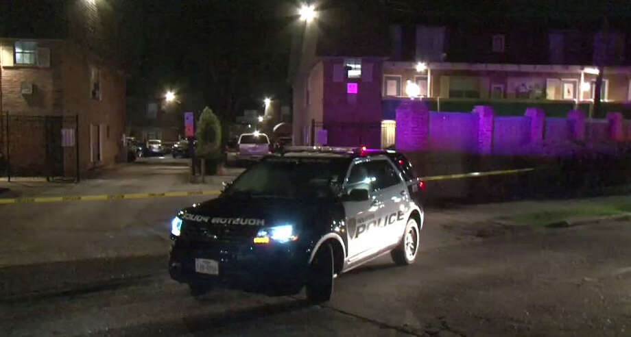 A man was shot in the face by Cherry Cove Apartments. Photo: Metro Video
