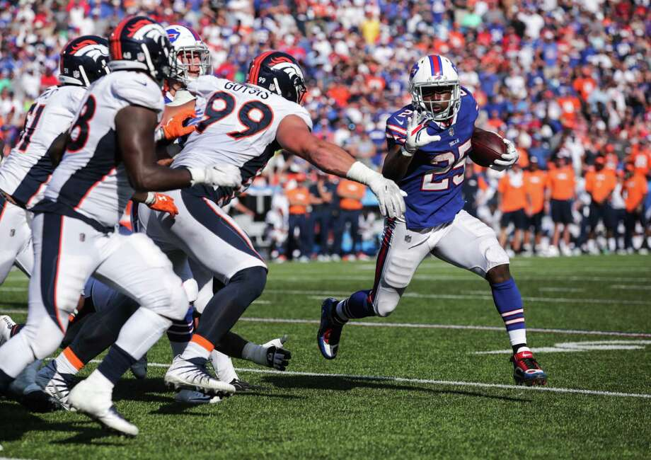 ORCHARD PARK, NY - SEPTEMBER 24:  LeSean McCoy #25 of the Buffalo Bills runs the ball against the Denver Broncos during an NFL game on September 24, 2017 at New Era Field in Orchard Park, New York.  (Photo by Brett Carlsen/Getty Images) ORG XMIT: 700070632 Photo: Brett Carlsen / 2017 Getty Images