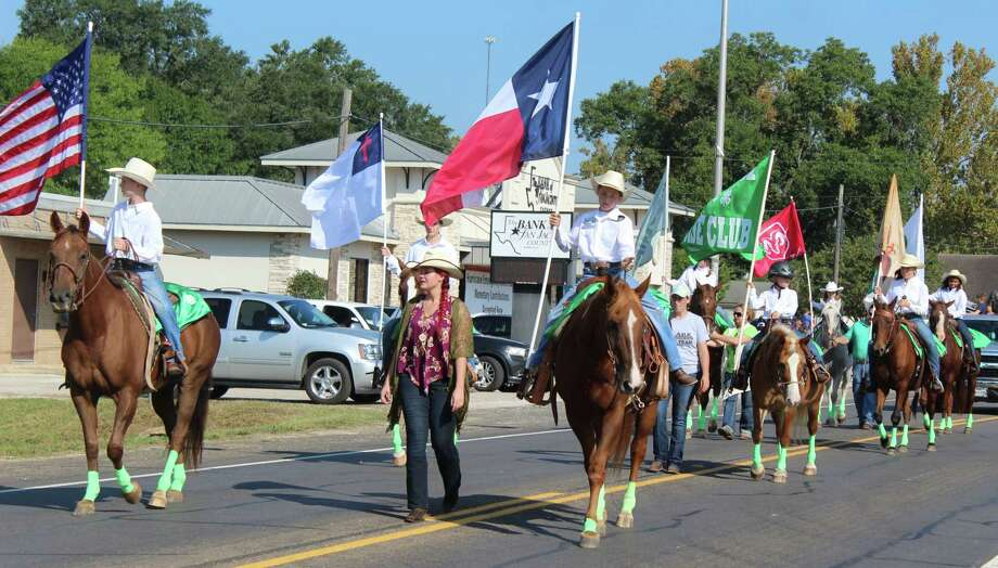 Trail riders lead the San Jacinto County Fair and Rodeo parade on Sept. 23. Photo: Jacob McAdams